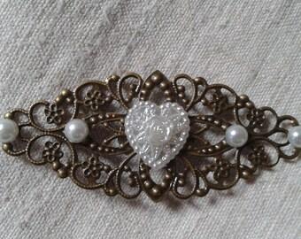 """brooch """"white heart"""""""