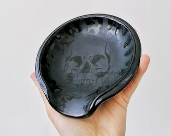 Skull Spoon Rest, Gothic Skulls Black, Goth Kitchen Utensil, Macabre Spoons Holder, Tea Bag Storage, Homeware Present, Creepy Skeleton Bones