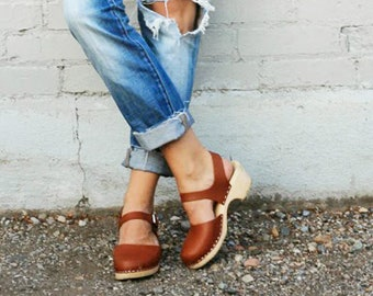 Swedish Clogs Low Wood Tan Leather by Lotta from Stockholm / Wooden Clogs / Sandals / Low Heel / Mary Jane Shoes / lottafromstockholm