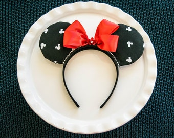 Mickey Ears Headband, Classic Ears, Disney Ears, Customized Ears, Mickey Mouse Ears, Minnie Ears, Minnie Mouse Ears, Disney Ears