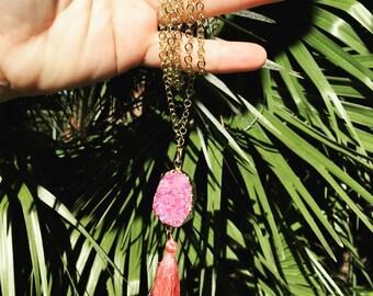 Druzzy necklace , pink necklace , handmade jewelry , boho jewelry , hippie jewelry , colgante mujer, collar hippie