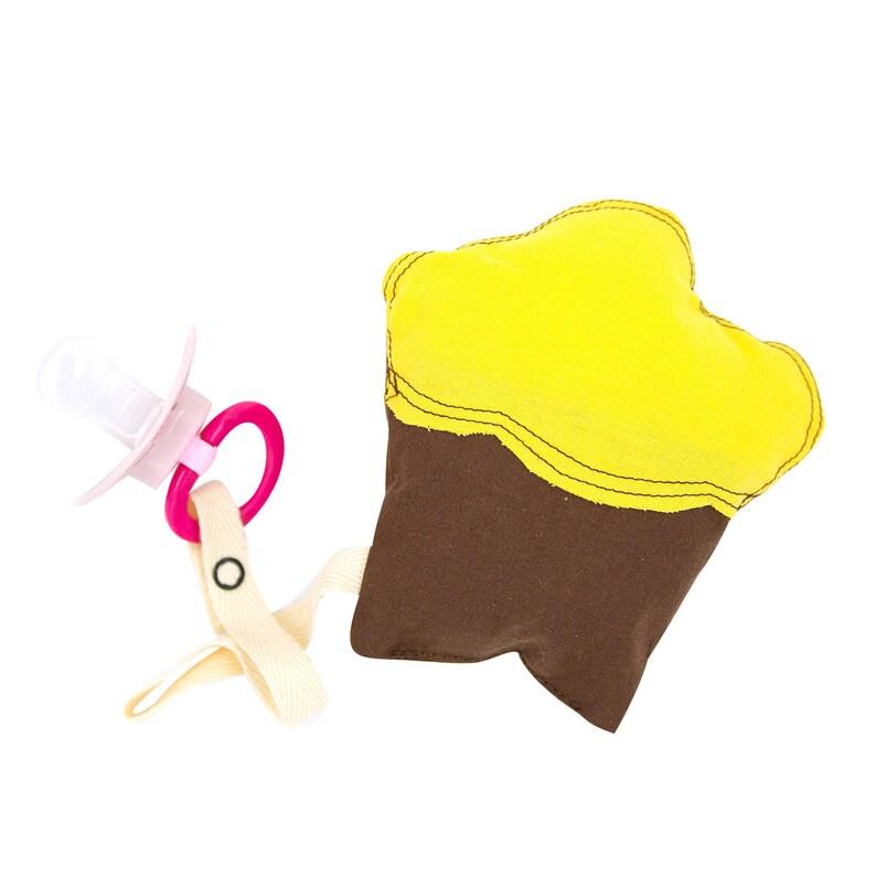 Schnullerkette Cupcake aus Bio-Baumwolle braun  gelb Schnullerband Schnullertier