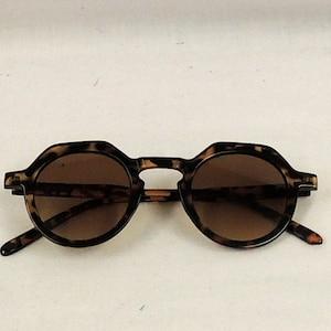 1940s Sunglasses, Glasses & Eyeglasses History Sunglasses Faux Tortoiseshell 1930s 1940s style UV400 $11.46 AT vintagedancer.com