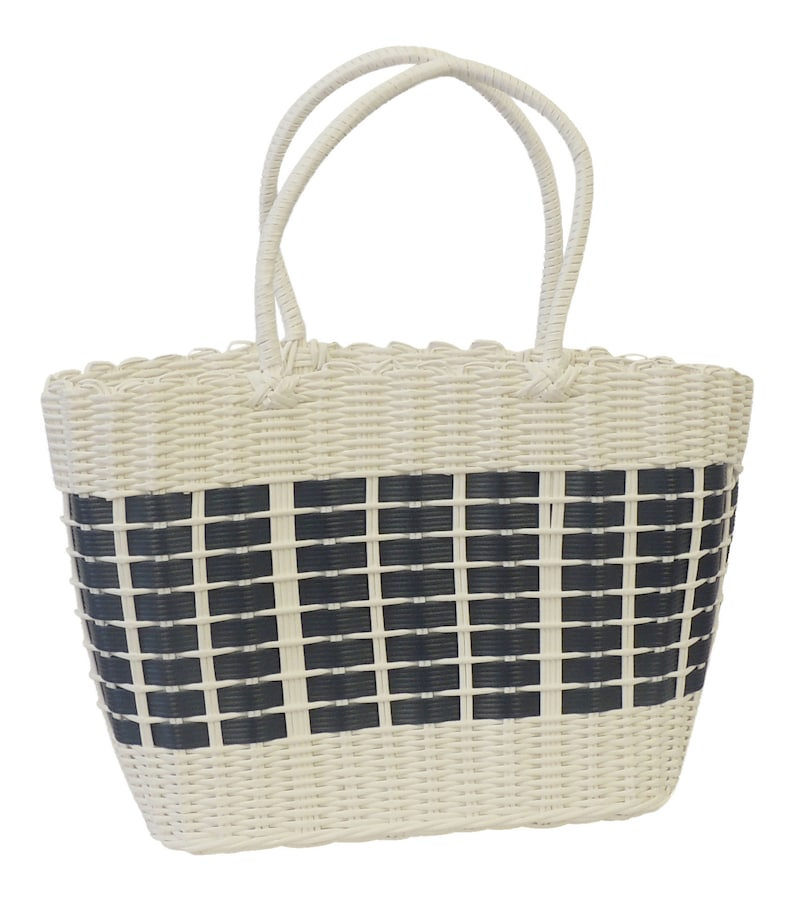 1940s Handbags and Purses History Vintage style Woven Plastic shopping Basket 1940s 1950s style $14.32 AT vintagedancer.com