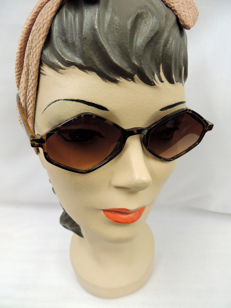 1940s Sunglasses, Glasses & Eyeglasses History Sunglasses Faux Tortoiseshell 1930s 1940s style UV400 $11.46 AT vintagedancer.com