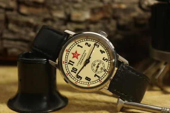 UdSSR, Pobeda Uhr, ZIM Armbanduhr, Militäruhr, Retro Uhr, sowjetische Herrenuhr, Vintage Antike Uhr