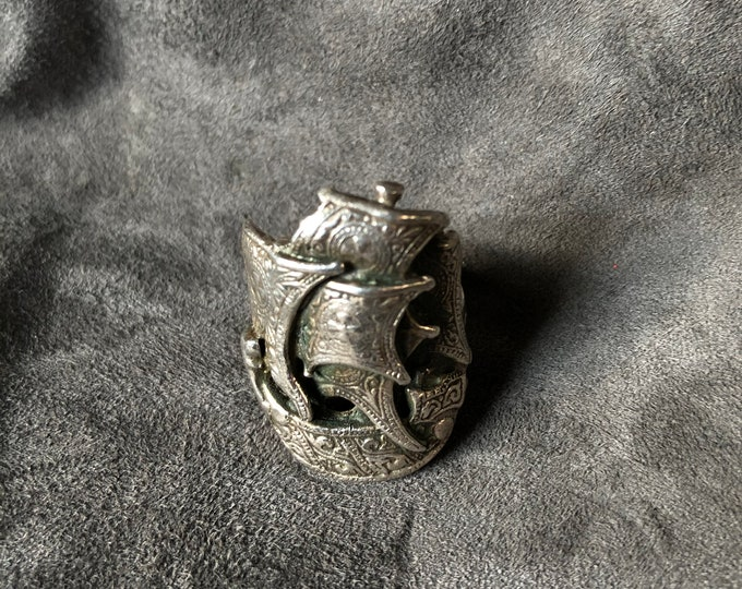 Vintage Flotsam & Jetsam Pirate Ship Ring