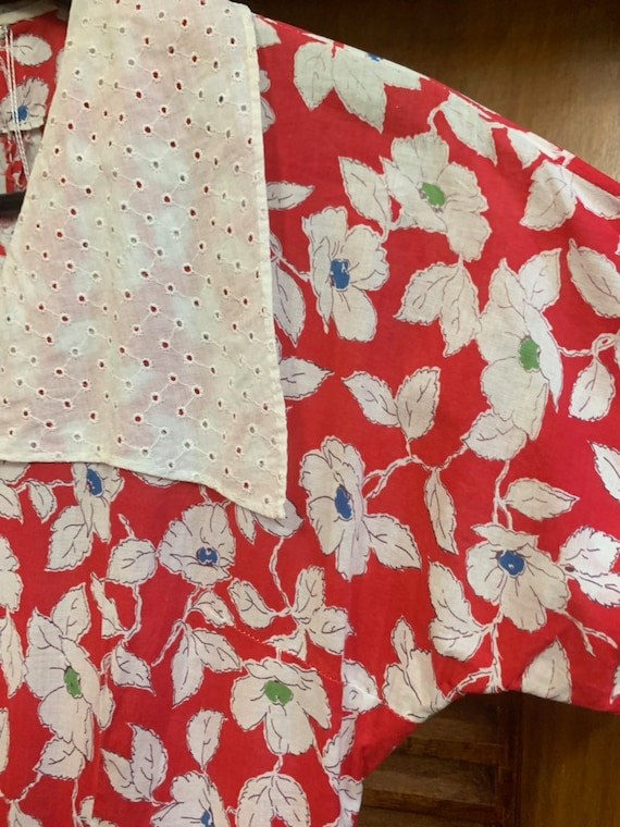 Vintage 1940's Red & White Floral Eyelet Cotton C… - image 4