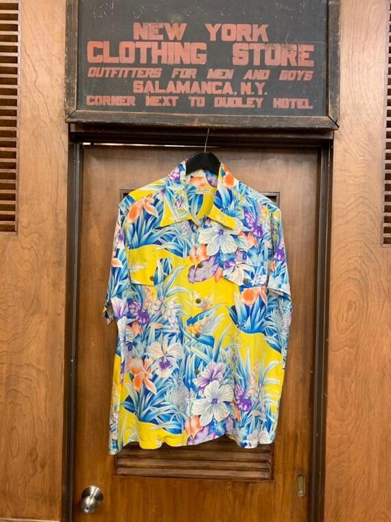 Vintage 1950's Vibrant Floral Pattern Silk Hawaiia