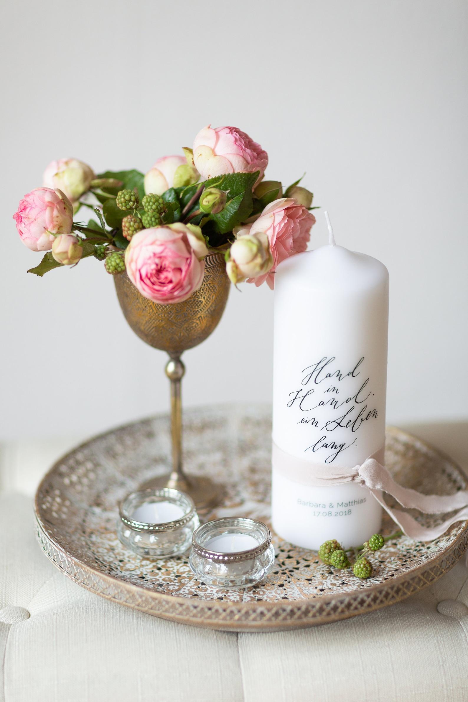 Hochzeitskerze mit dezenter Kalligraphie