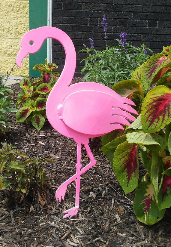 2 PINK FLAMINGO Sculptures Metal Garden Ornaments STUNNING Metal Garden Art D24