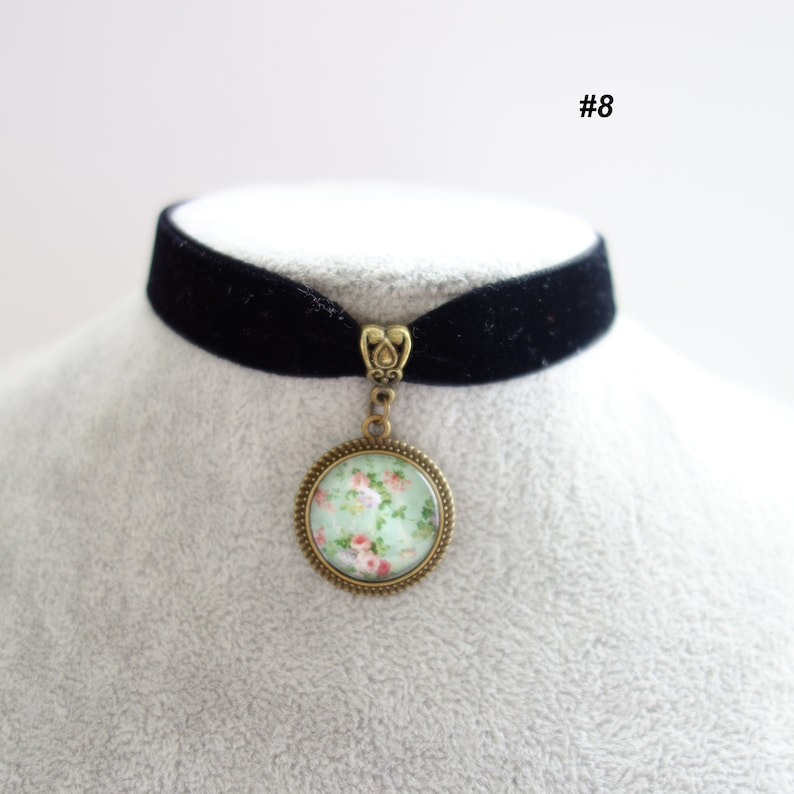 Victorian Choker Thick black velvet choker,Victorian Necklace Vintage Necklace Cosplay Charm Choker Medallion Necklace Cameo Necklace