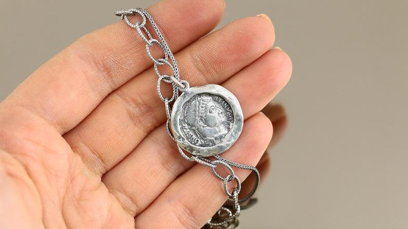Vintage Beautiful Israel Hammered Coin Design Chain Link Bracelet 925 Sterling BR 2533
