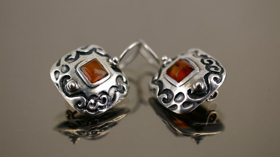 Vintage Shiny Scroll Ornament Small Amber Stone Square Cushion Shape Design Kidney Wires Earrings Sterling Silver 925 ER 1610