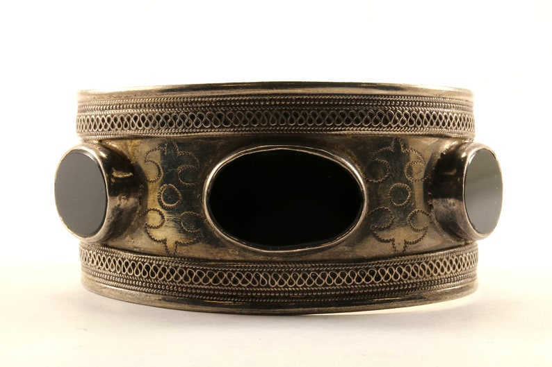 Vintage Beautiful Large Black Onyx Bali Design Cuff Bracelet 925 Sterling BR 62