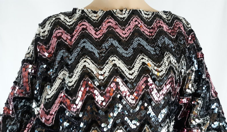 25d270eebf10 70's 80's Women's Shirt Long Sleeve Zigzag | Etsy