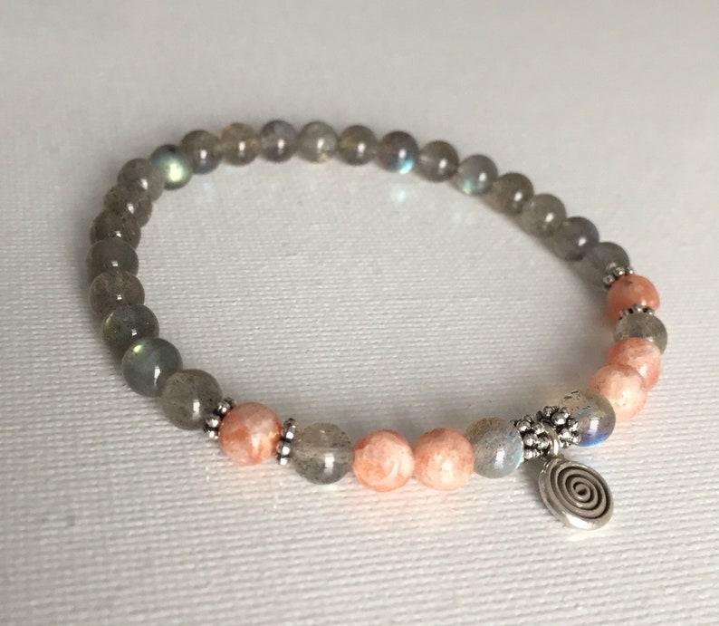 5mm Elegant Feldspar Bracelet Chakra Healing SS Spiral charm Dainty Labradorite /& Sunstone Bracelet Aura Healing Crystal Yoga Wrist Mala