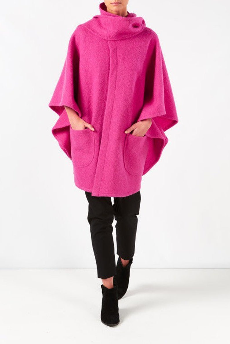 Tie collar poncho with extra deep pockets in pure boiled wool
