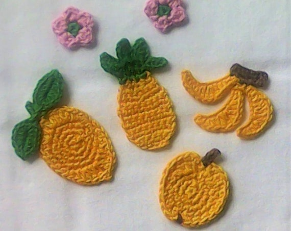 Yellow Cotton, exotic Fruits, Pineapple, Apple, Lemon, small Bananas, pink flowers, patch Sewing Appliqués