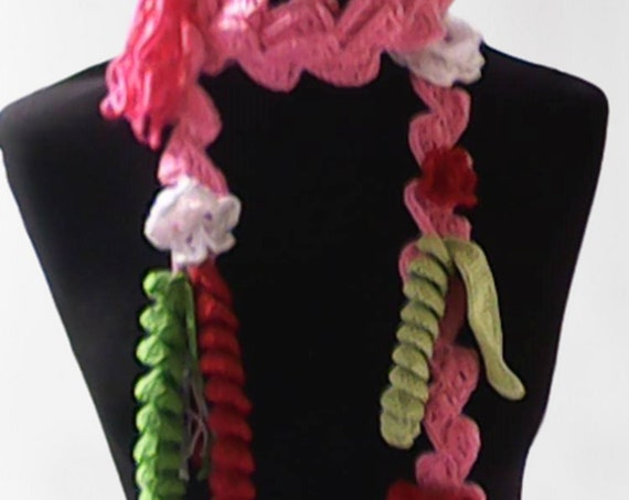 Crochet pink necklace with floral accessoare unique lasso scarf