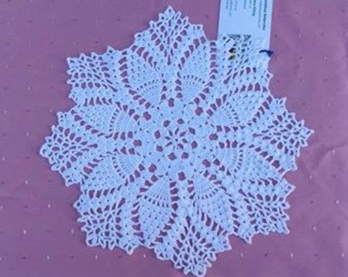 For your coffee table crochet cover in white cotton