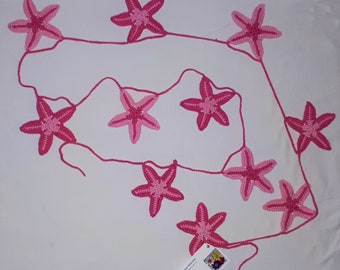 Crocheted starfish Girland in pink cotton for your party on the beach