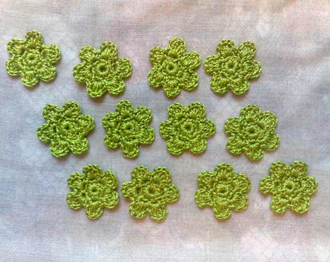 12 Green flower crochet for card decorating