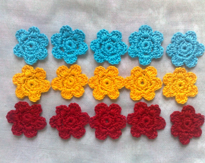 15 Crochet flowers for ornaments, scrapbooking and decorating table cards