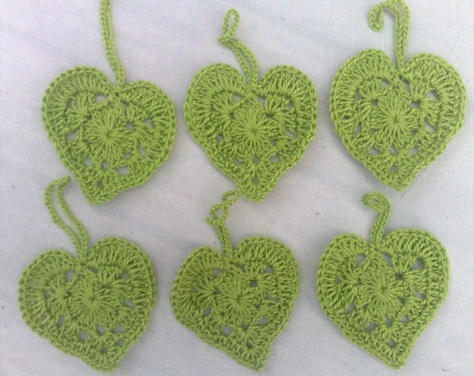 Crocheted hearts of Light green cotton, 6 pieces to decorate your gifts
