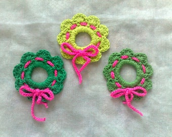 Christmas wreath hanging tree hang crochet in three different shades of green