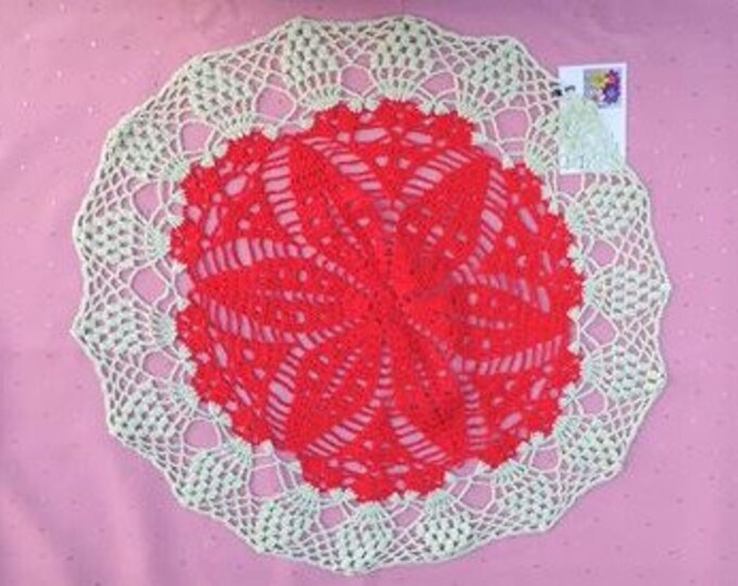 Two-tone cotton tablecloth for Christmas decoration in red and green, 22 inch handmade round cover table decoration Christmas