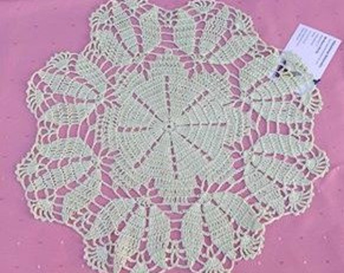 Round cover light green lace by hand crochet, green cotton, crochet cover