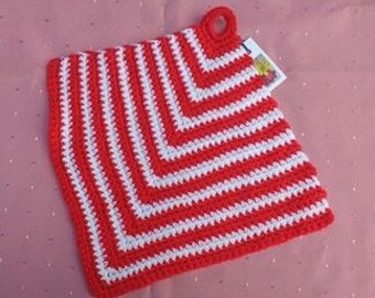 Crocheted pot cloth trapezoidal for Country house kitchen