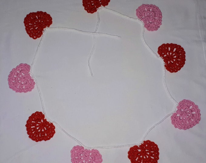 Bunting garland crocheted with pink and red hearts Valentine's Day decoration gift for your lover