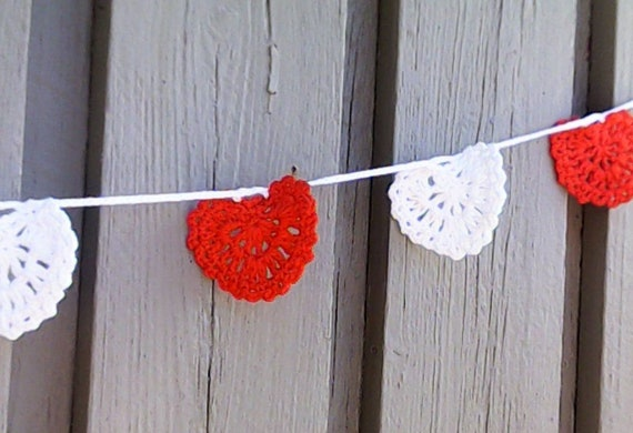 Wall décor living room décor crochet garland red white hearts wedding girland crochet heart garland crochet home décor home décor holiday garland
