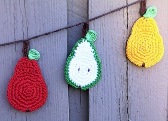 Pear Garland, crocheted Garland with 11 Pears, perfect Shower Garland, pear Decorations, Pear wedding Shower Banner