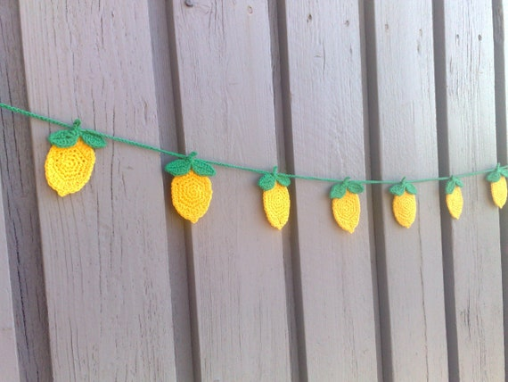 Crochet lemons garland, bunting handmade, rustic decoration, living room, nursery or kitchen wall hangings