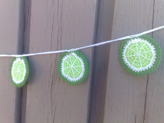 Crochet limes garland, lime bunting crochet, kitchen fruit décor, wall hangings, summer party decoration, nursery décor