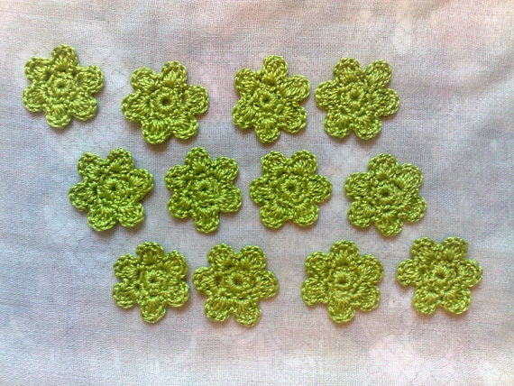 12 Green flower crochet for card decorating