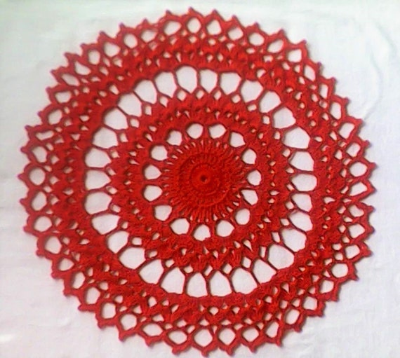 Lip-pin red crochet cover 13 inches