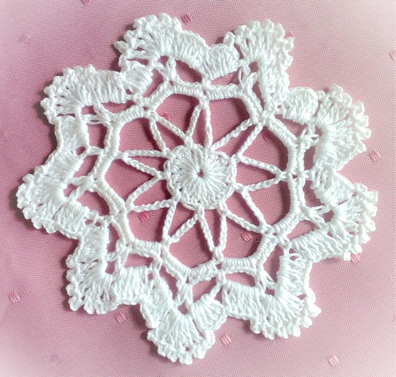 "Christmas Tree Jewelry white snowflake, 4.5 ""big crocheted tree Ornaments"