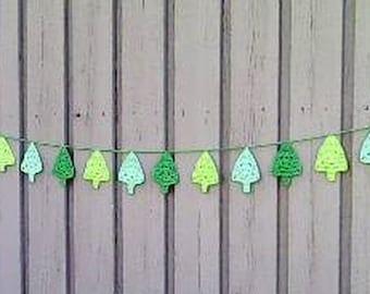 Tree garland crochet tree pennant green, Christmas tree bunting, Christmas décor, green tree bunting