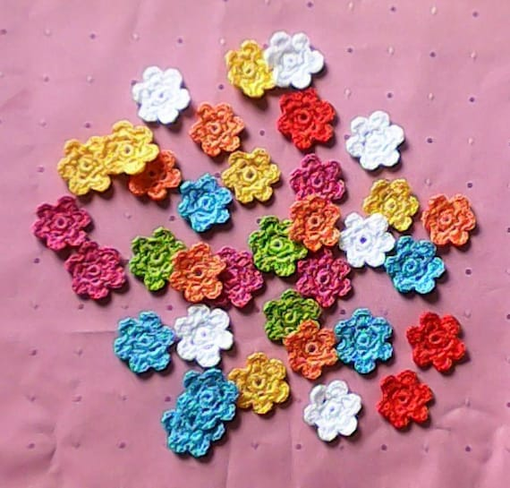 Crochet Flowers Appique 5 Piece Small Flower crochet motif flowers adorn stained floral decorations Bunte crocheted MIniblums