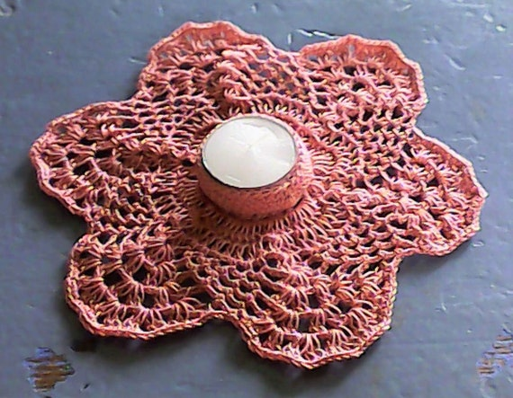 Crochet tealight holder in old pink, candle holder, gift, candlestick, decoration, Thanksgiving, room décor, table decoration
