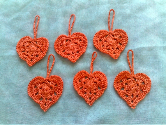 6 piece heart crochet for a Valentine's Day gift for a gift tag in orange cotton