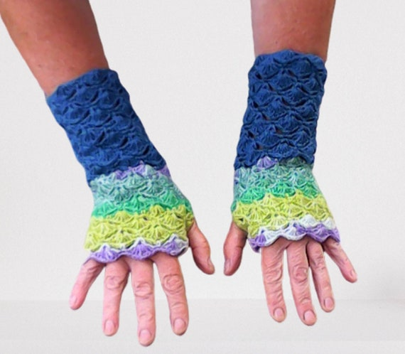Crochet fingerless gloves shell pattern, women winter autumn accessories, crochet women gloves, gift for her, birthday