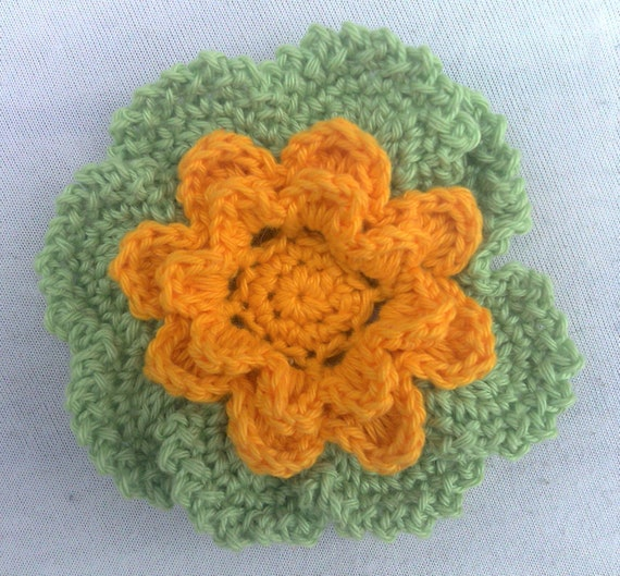 Larger crocheted flower in 3.5 inches
