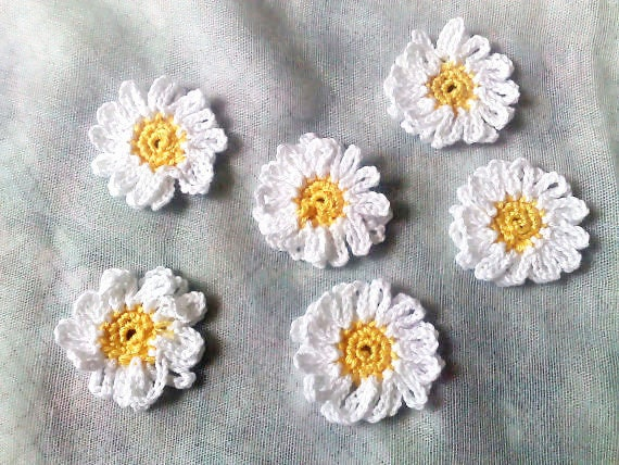 Daisy, crocheted White flower application