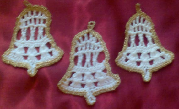 Bell Christmas tree draped in white cotton and edging in gold, 5 pieces
