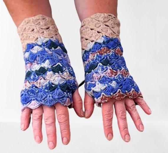 Crochet fingerless gloves, winter gloves, shell-patterned gloves